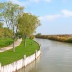 Kanal durch den Schilfgürtel bei Mörbisch