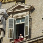 der Papst bei seiner Sonntagspredigt