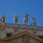Figuren auf dem Petersdom
