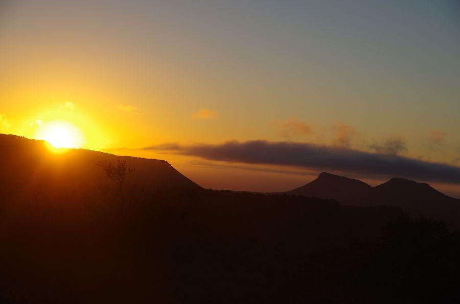 Sonnenaufgang in der Karoo