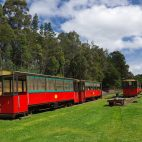 Die Trambahn in Pemperton ist auf einer alten Holzbahnstrecke unterwegs…