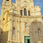 Prächtige Kirche in Cervo