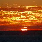Die Sonnenuntergänge am Südlichen Wendekreis sind wunderschön. Zum Glück bemerkt man auf den Fotos den Sturm nicht.