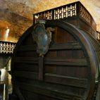 Hier befindet sich das größte, jemals gefüllte, Weinfass der Welt …